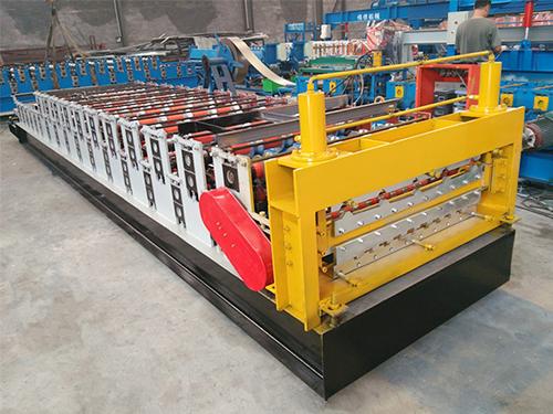 800-840卷帘门成型机